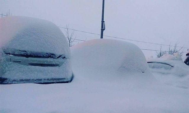 Istanbul, aeroporto sommerso dalla neve. Oltre 500 italiani bloccati