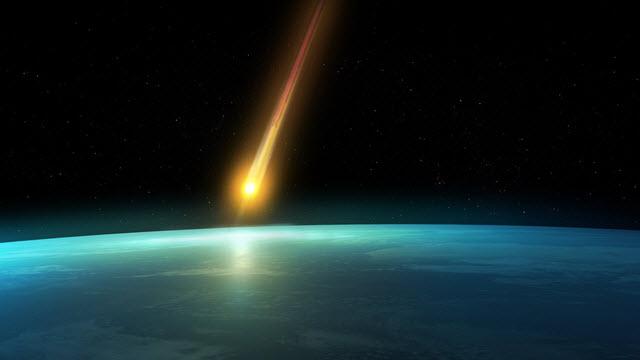 Spettacolo nei cieli del Nord Italia: un enorme meteorite