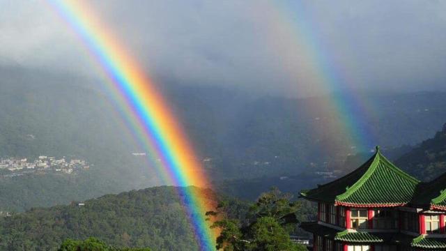 Arcobaleno da record: in Taiwan cielo colorato per 9 ore di fila