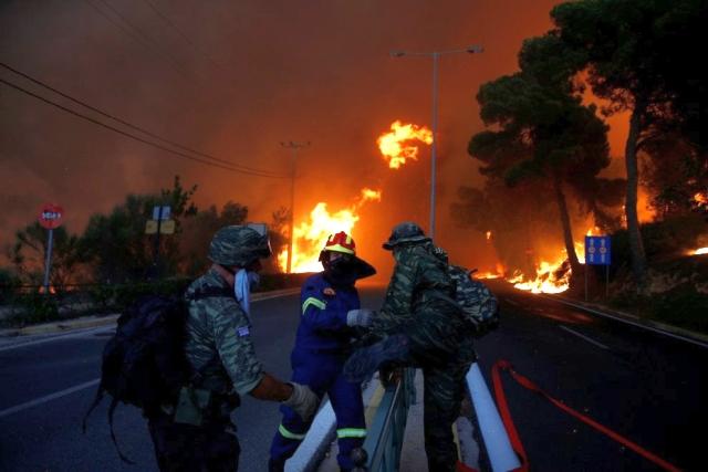Grecia, cosa sappiamo degli incendi ad Atene