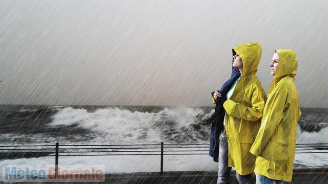 Maltempo, è allerta per temporali e piogge: da oggi calo delle temperature